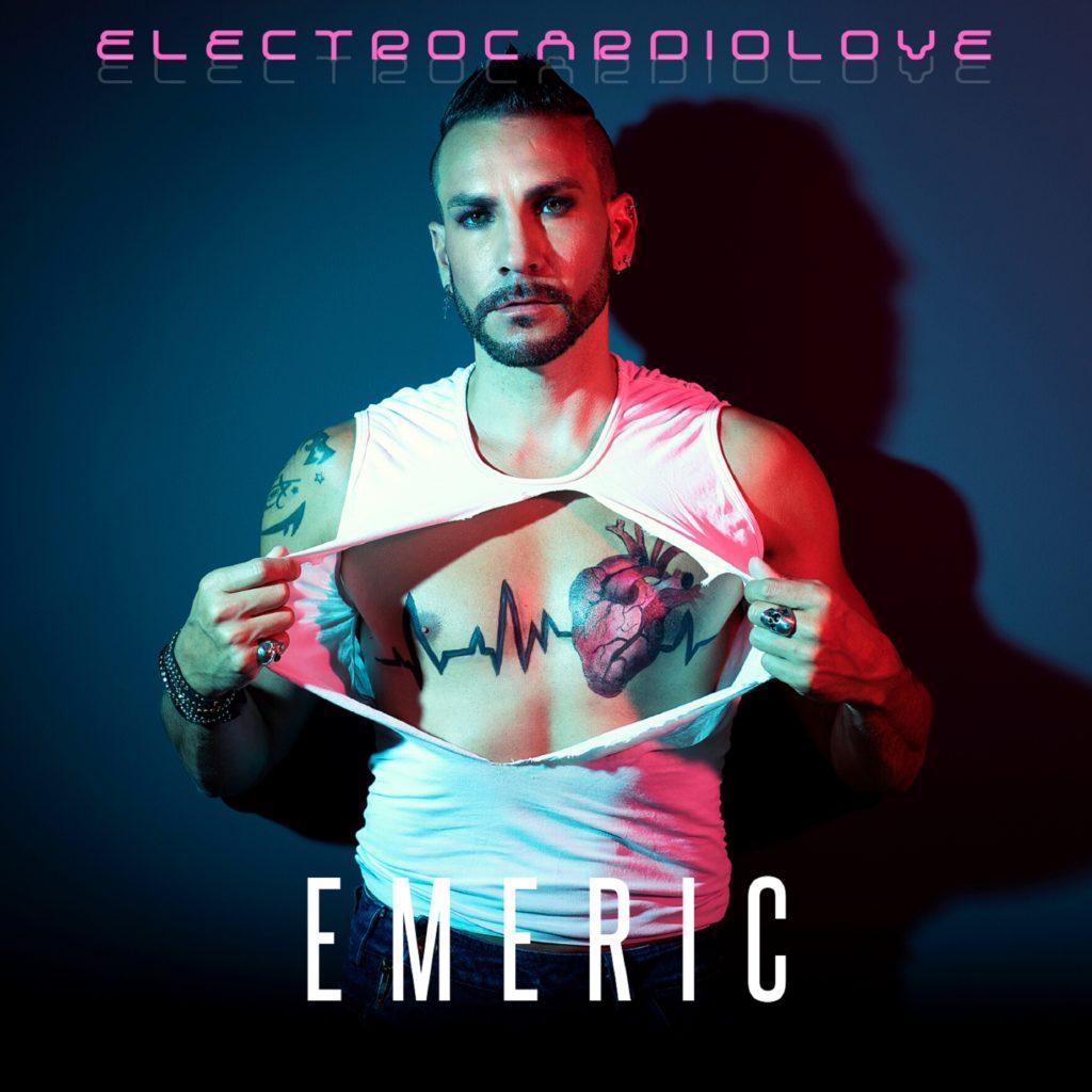 Le chanteur Emeric