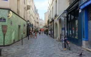 Paris : la rue des rosiers, un coin au charme…